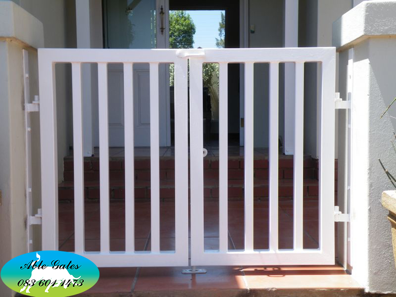 Pedestrian gates able fencing cc